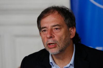 Girardi pidió a Contraloría que rechace llegada de salmoneras a Cabo de Hornos