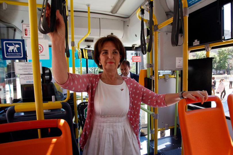 Ministra Hutt destaca desempeño del transporte público en medición de eficiencia