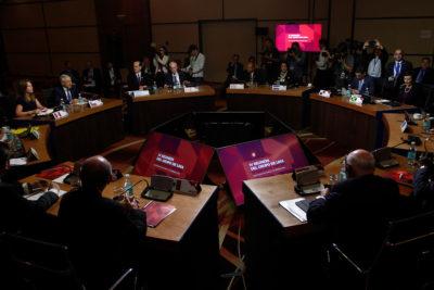 """Grupo de Lima llama a no calificar de """"golpe de Estado"""" a la movilización contra Maduro"""