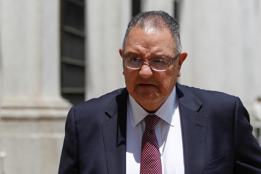 """Senador Huenchumilla teme que la DC termine siendo """"vagón de cola de la derecha"""""""