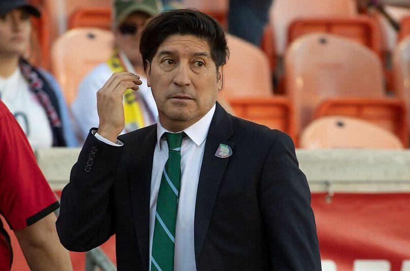 Polémica encuesta ubica a Iván Zamorano como mejor futbolista chileno de la historia