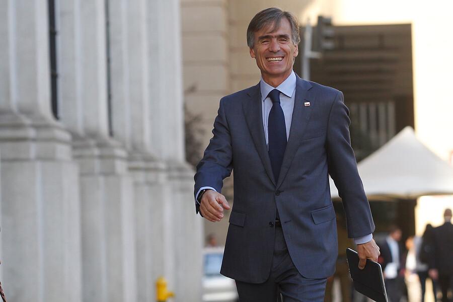 """""""Valente destaca estimaciones de aumento en inversión de 6,2% para este año"""""""