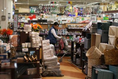 El 49,1% de locales comerciales fueron víctimas de delitos el semestre pasado