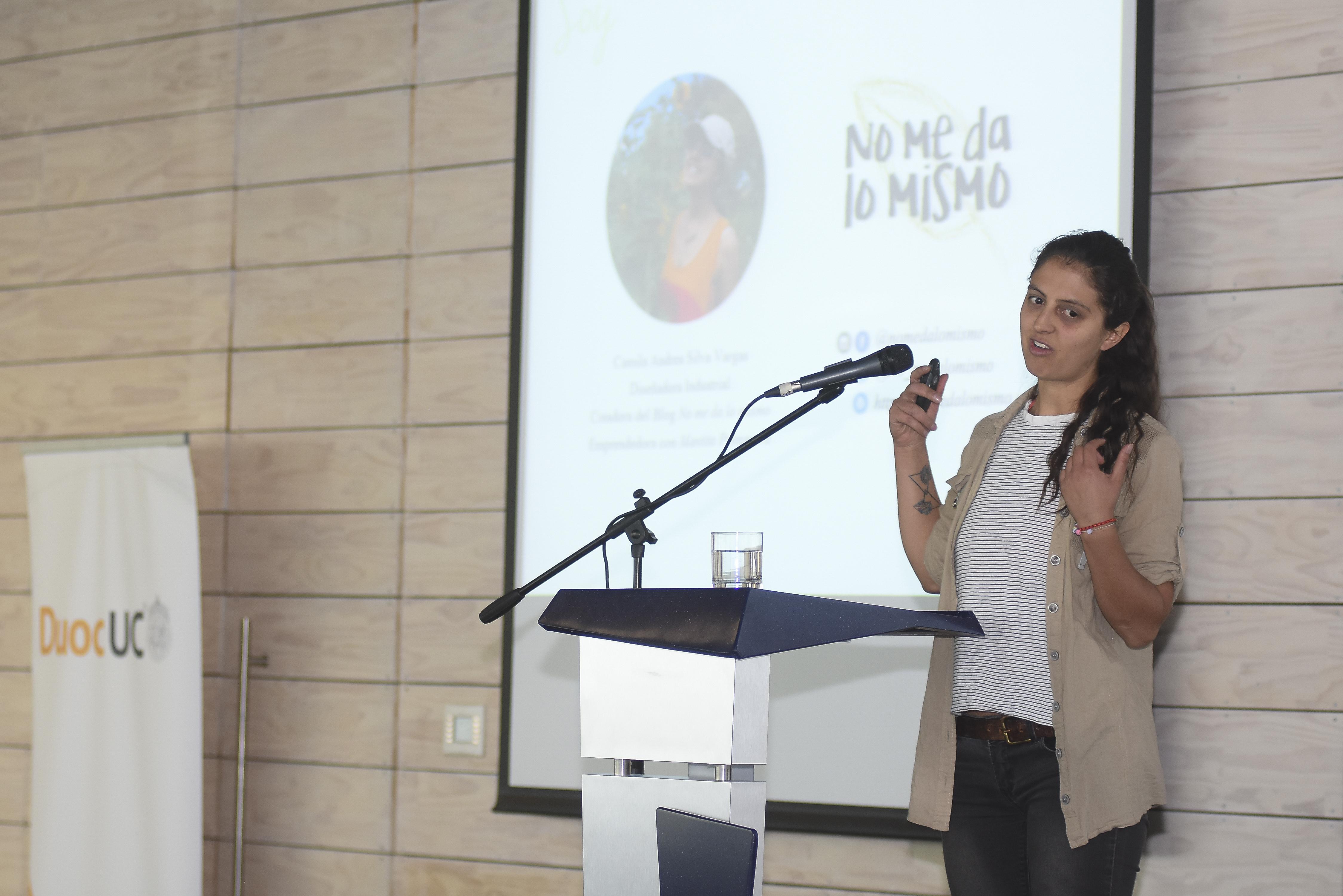 """Camila Silva, influencer y creadora del Blog """"No me da lo mismo""""."""