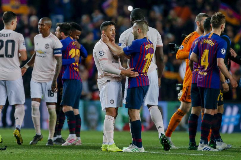 En España resaltaron ovación del Camp Nou a un Alexis Sánchez que sufrió chascarro