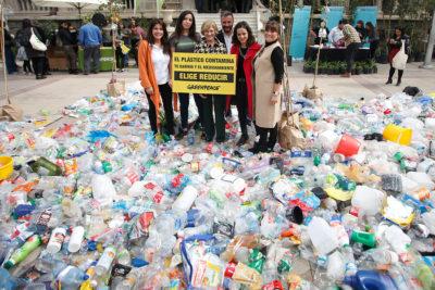 Providencia aprueba ordenanza que prohíbe utensilios de plásticos en el comercio