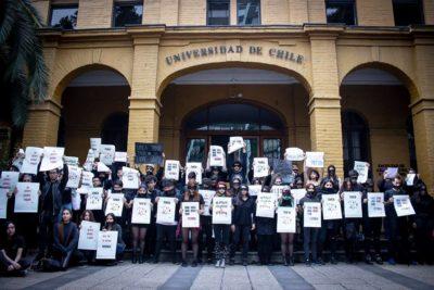 Protesta de estudiantes de Arquitectura: educación y salud mental