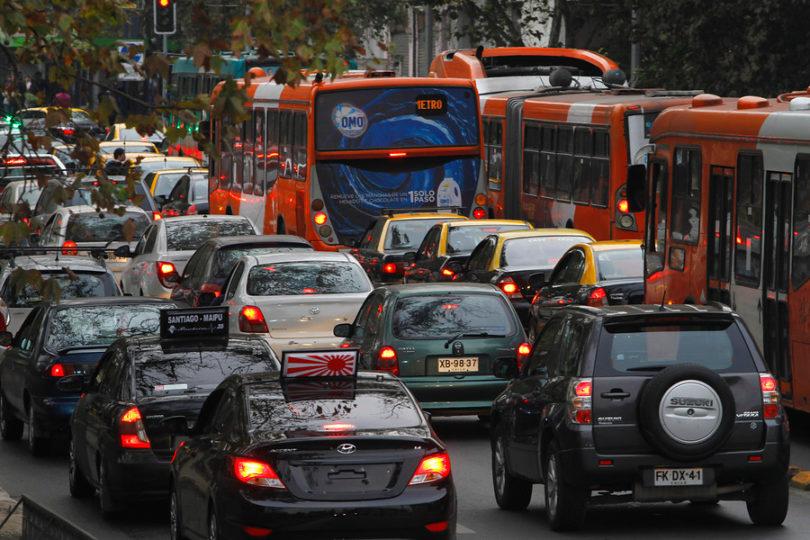 Transportes habilitó buscador de patente para periodo de restricción vehicular