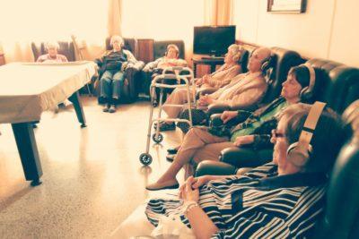 Sonoterapia para adultos mayores: el proyecto que busca mejorar su calidad de vida