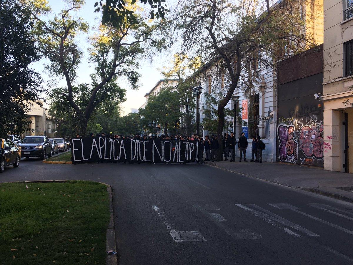 Protesta en el Liceo de Aplicación terminó con nueve detenidos