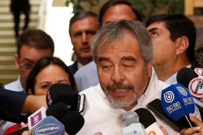 """Bancada DC trató de """"matón"""" a comunista Núñez y le recordó que votaron por él"""