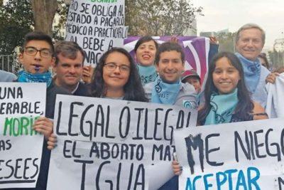Hijo de Carlos Larraín se sumó a José Antonio Kast en marcha pro vida