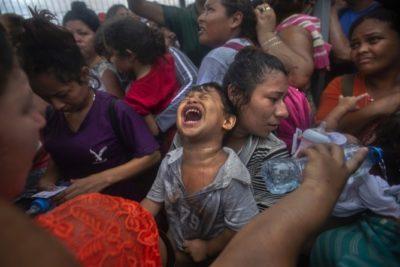 Fotógrafo chileno ganador del Pulitzer cuenta la historia tras la imagen de la caravana de migrantes en México