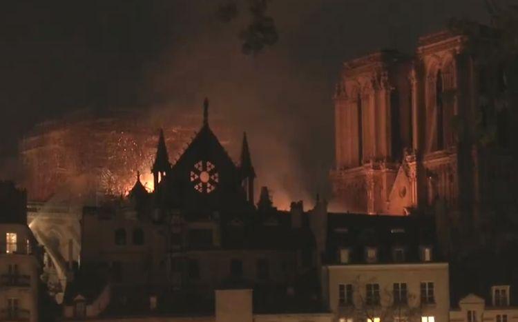 """Chile lamentó el incendio en la catedral de Notre Dame: """"Es una tragedia para el patrimonio universal"""""""