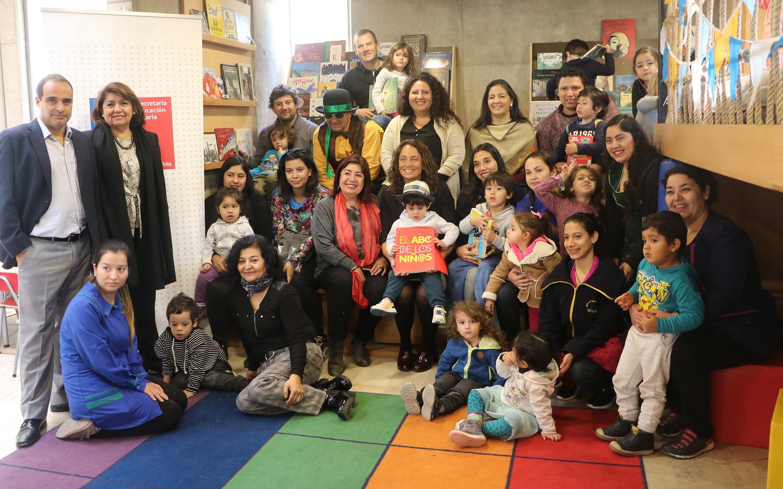 Celebran el Día del Libro destacando las experiencias que generan en la primera infancia