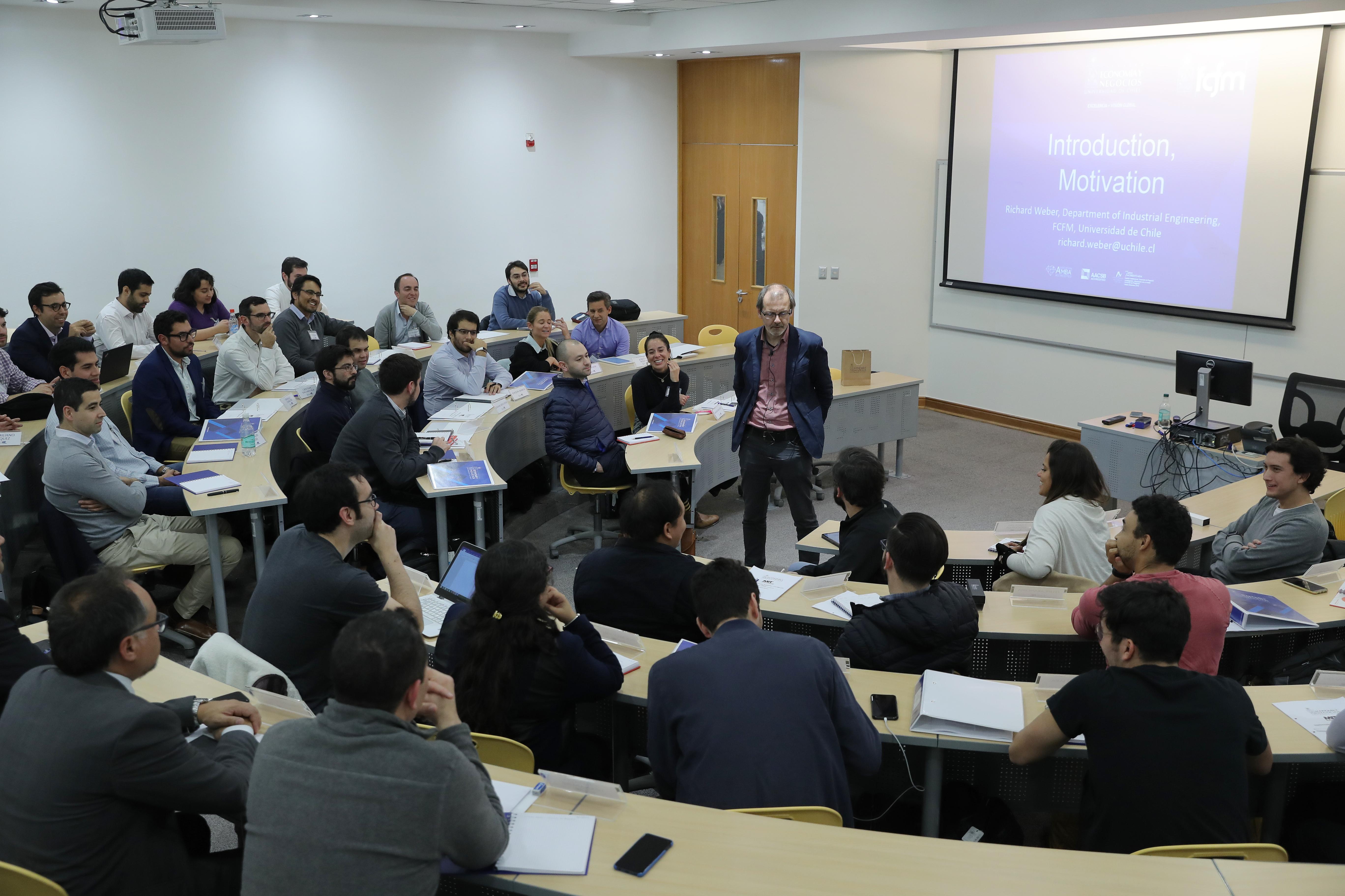 Con más de 40 estudiantes comenzó inédito programa académico conjunto MIT – U. de Chile