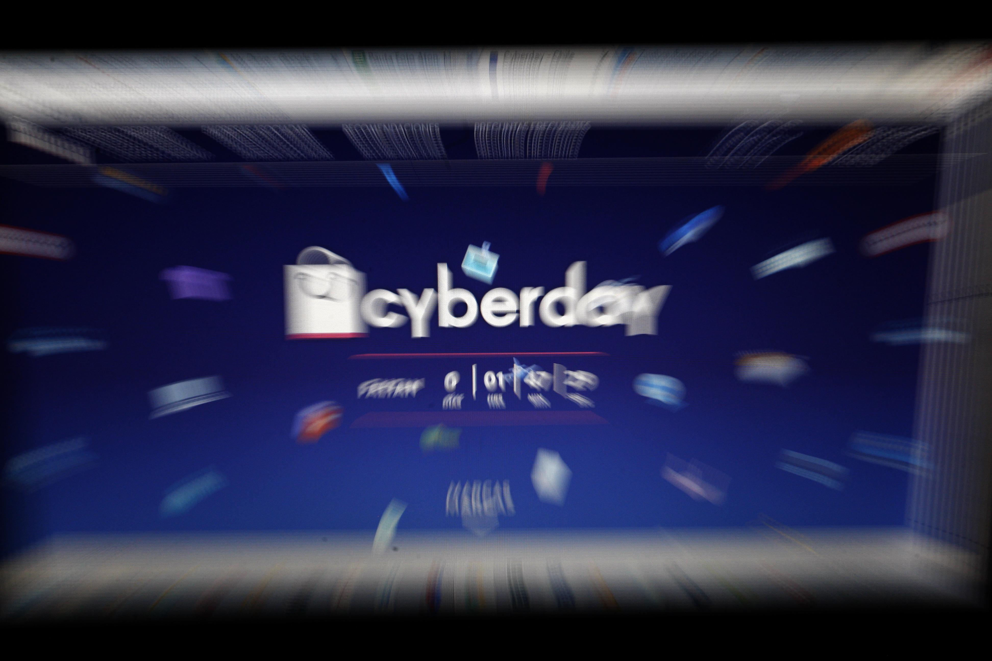 CyberDay: Sernac chequea oferta de celulares, calefactores, muebles y videojuegos