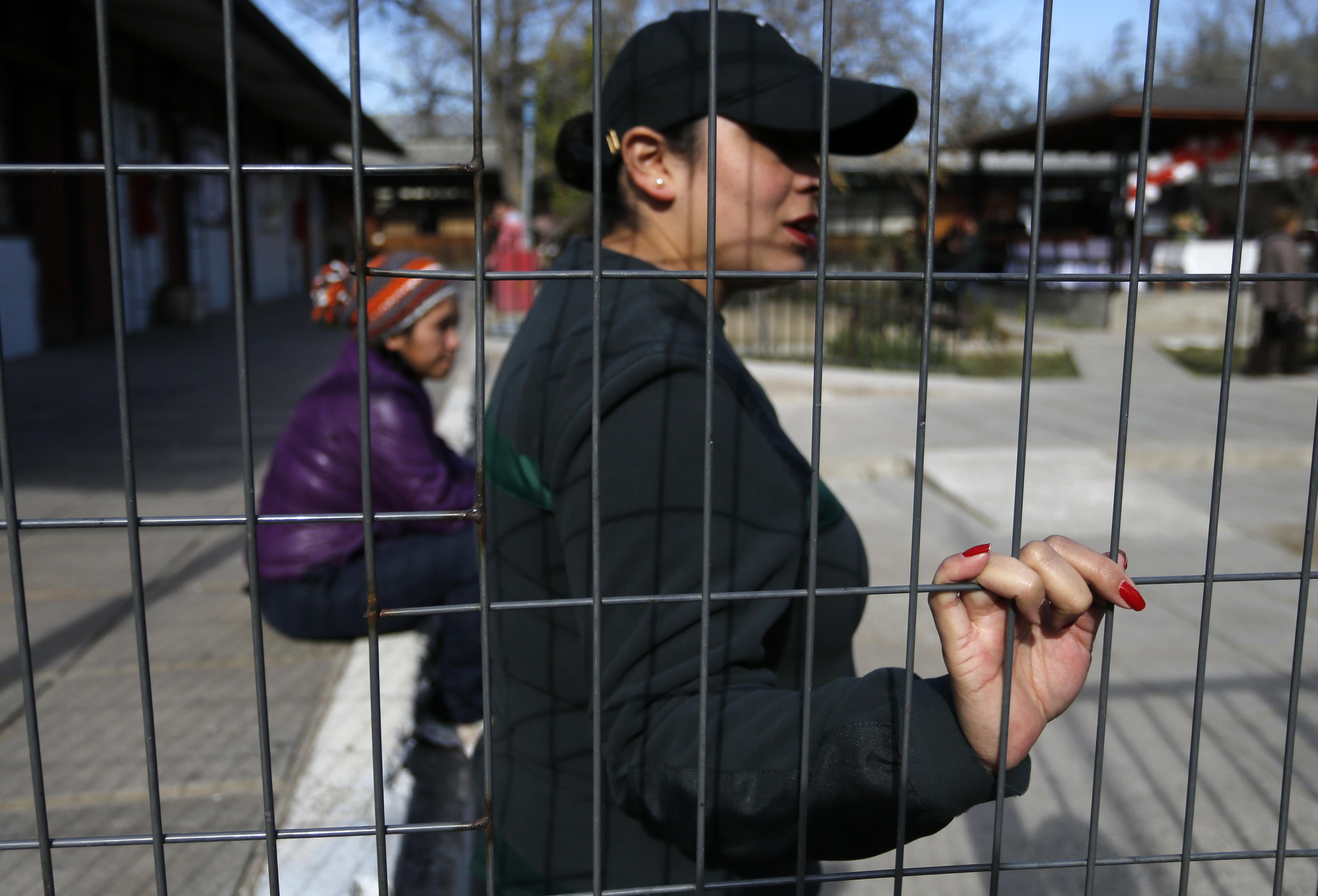 Forman mesa de trabajo por niños que conviven con sus madres en prisión