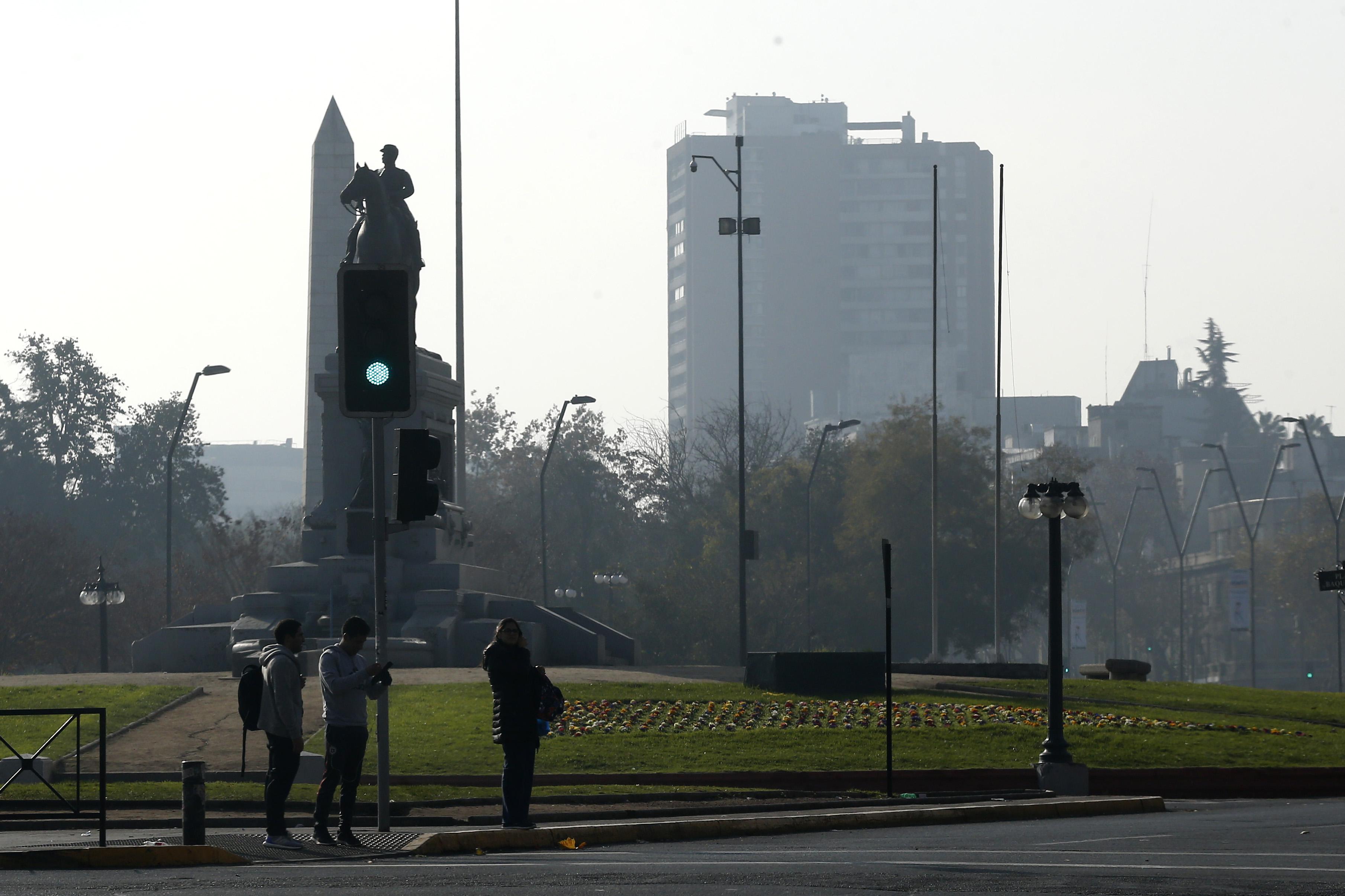 Sigue la alerta ambiental en la Región Metropolitana por mala ventilación