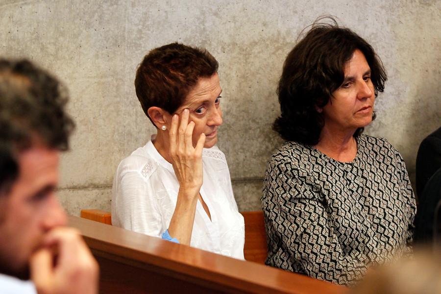 Caso Penta: esposas de Délano y Lavín accederían a suspensión condicional