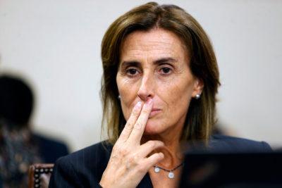 """Ministra Cubillos dispara contra Defensora de la Niñez: """"No la hemos visto defender a los menores en riesgo"""""""