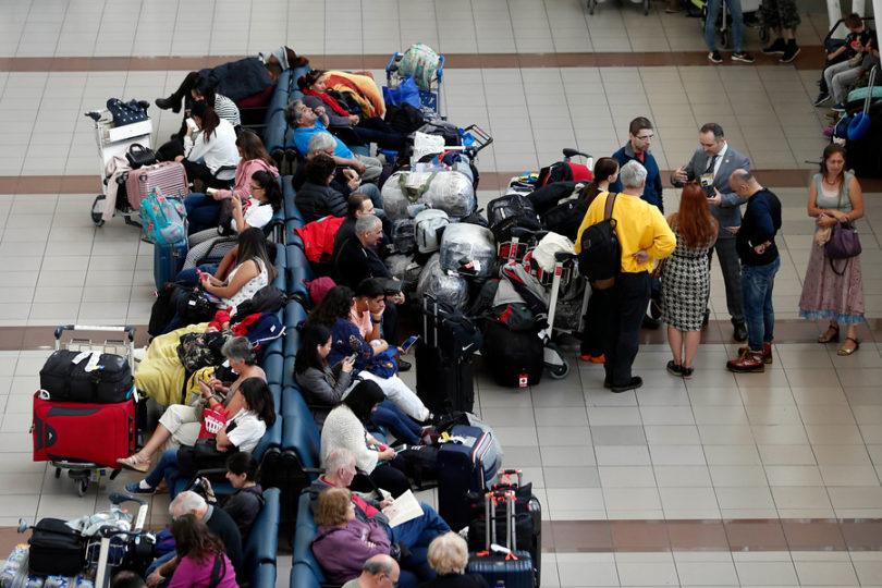 Desbaratan la red de tráfico de migrantes más grande registrada en Chile: ex autoridades públicas detenidas