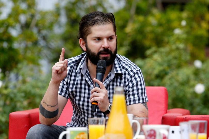 """Boric deja saltones a varios con frase dedicada a la """"izquierda élite"""" que tilda de """"fachos pobres"""" a los votantes de Piñera"""