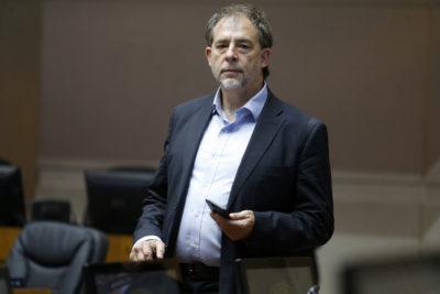 Girardi anuncia monitoreo para que Estado cumpla fallo sobre bahía de Quintero