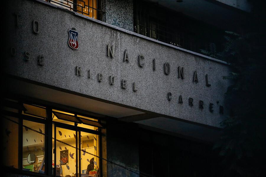"""""""Apoderados del Instituto Nacional se querellarán contra dos alumnos tras nueva suspensión de clases"""""""