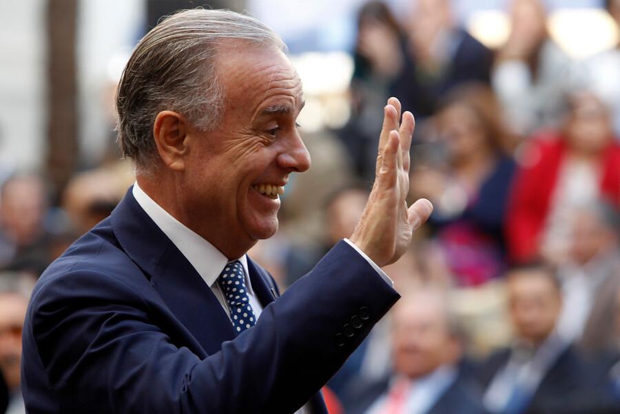 """""""Emilio Santelices es el ministro más endeudado del gabinete de Piñera"""""""