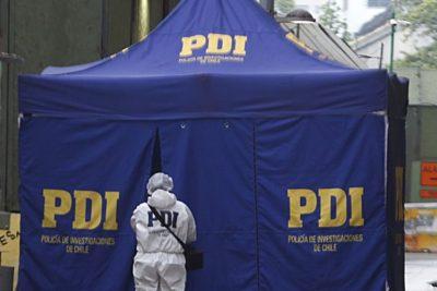 Investigan hallazgo de cadáver de mujer maniatado y quemado en una maleta