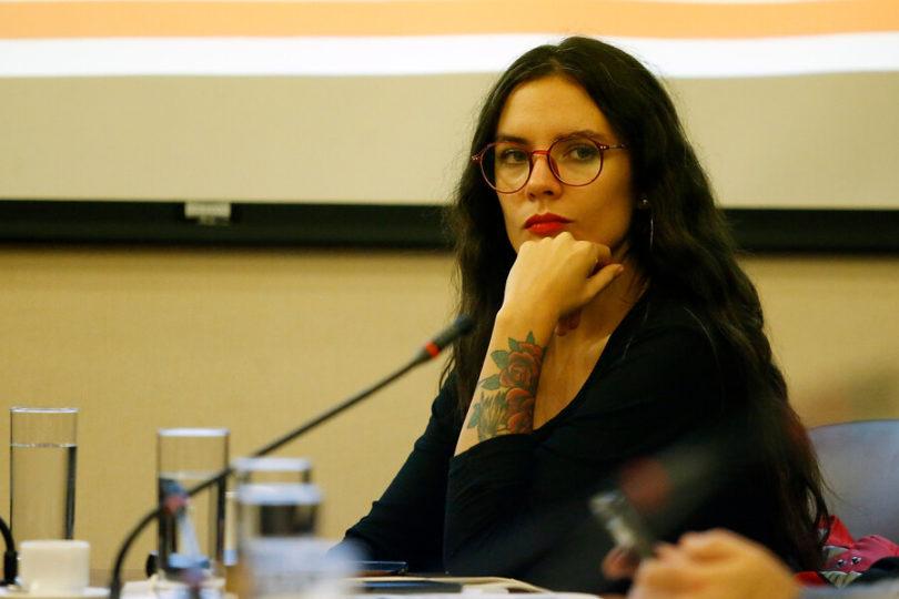 """Diputada Vallejo toma la frase de """"los patriotas"""" en polémico tuit sobre los negocios de Cristóbal Piñera Morel"""