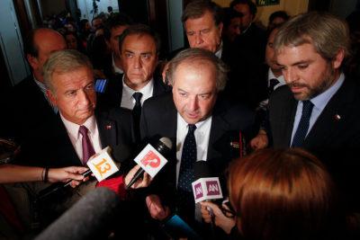 """Gobierno pide a diputados """"corregir esta insensatez"""" tras rechazo a reforma de pensiones"""