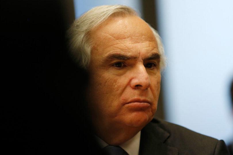"""""""No hay nada que explicar"""": Chadwick rechaza críticas por presencia de socio de Cristóbal Piñera en viaje a China"""