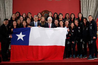 Piñera despide a Selección Femenina que parte al Mundial de Francia