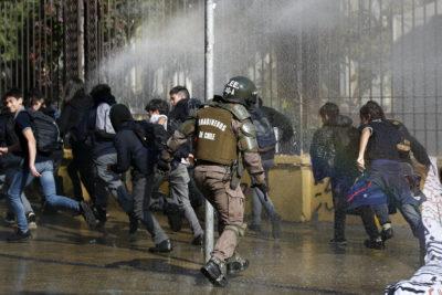 Incidentes en el Instituto Nacional dejan once detenidos y tres efectivos lesionados