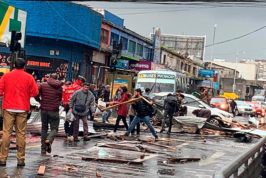 """""""VIDEO   Tromba marina causó graves daños en Concepción y Talcahuano"""""""