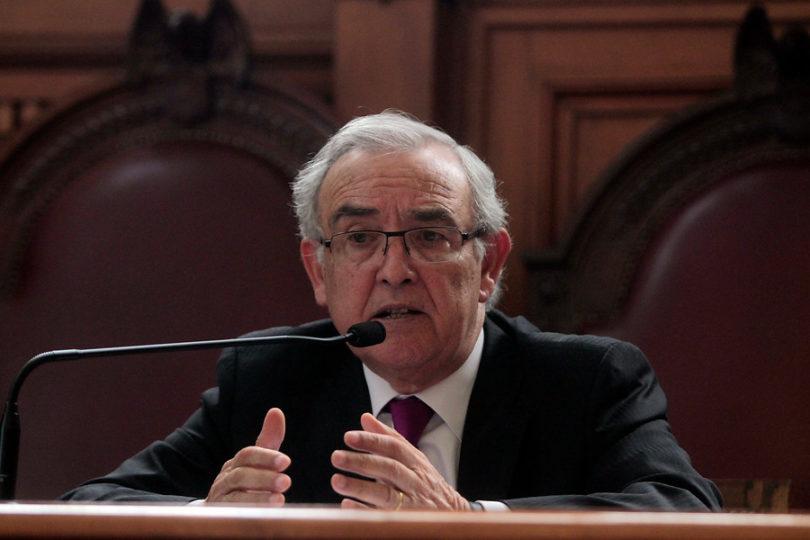 """Milton Juica cuestiona agenda antidelincuencia: """"Repite cantinela de la dictadura"""""""
