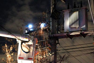 Enel: 99.459 clientes sin servicio desde las 20:00 horas por tormentas eléctricas