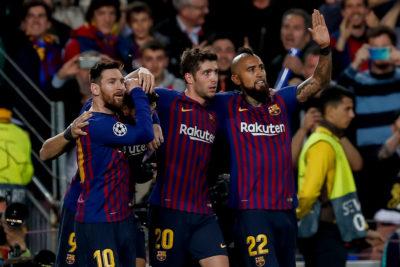 """""""La muerte es una muerte"""": Barcelona llegó a Liverpool con peculiar arenga de Umtiti a Arturo Vidal"""