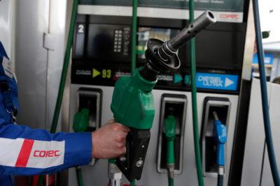Bencinas: solo la de 97 octanos bajará en $0,9 y el kerosene aumentará en $6,1
