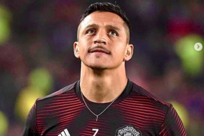 """Alexis Sánchez se sincera: """"Ofrezco disculpas a los fans por no estar peleando cosas importantes"""""""