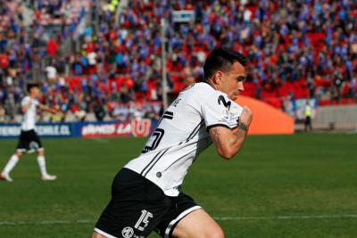 VIDEO | El momento en que Pablo Mouche patea el banderín de la U tras marcar el empate en el Superclásico