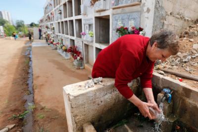 Condenan al cementerio de Punta Arenas por inundación de tumbas