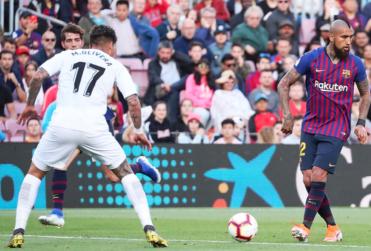 VIDEO | La magistral asistencia entre líneas de Vidal para el gol de Messi en el último partido de la Liga