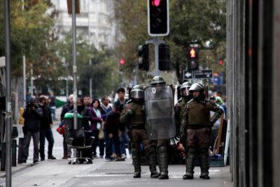 Instituto Nacional suspendió clases por nuevos hechos de violencia de encapuchados