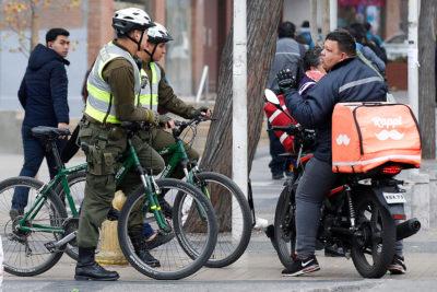 Fiscalizarán a motos de delivery por aumento de robos a peatones en Las Condes