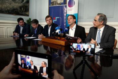Senadores firmaron acuerdo con la AChM para Congreso Futuro en tu Comuna