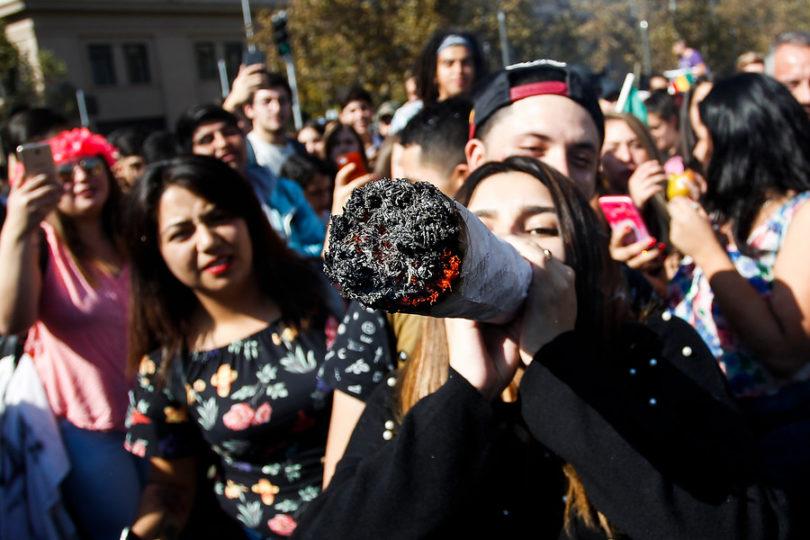 Encuesta Senda: universitarios consumen el doble de drogas que los escolares