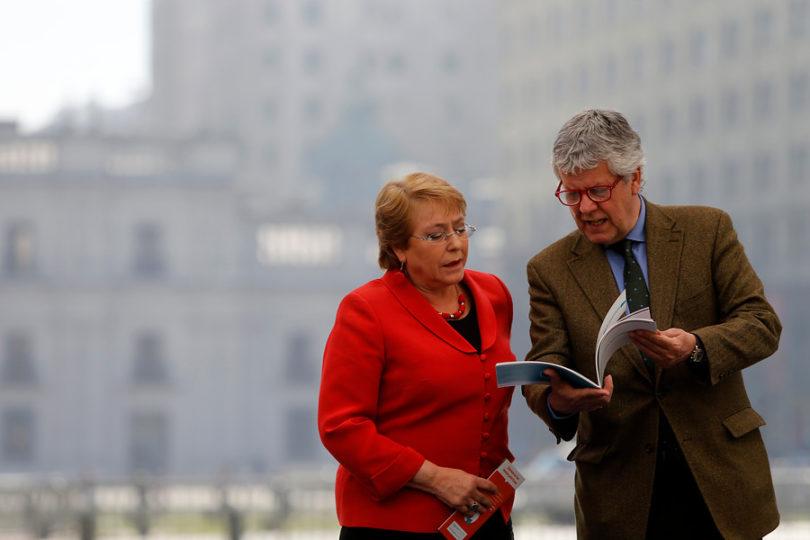 """Eyzaguirre asegura que proyecto de pensiones se """"parece cada vez más"""" al presentado en el Gobierno de Bachelet"""